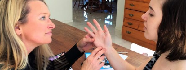 mistakes by palm readers, palm reading online, best palm reader in the world, allergy line