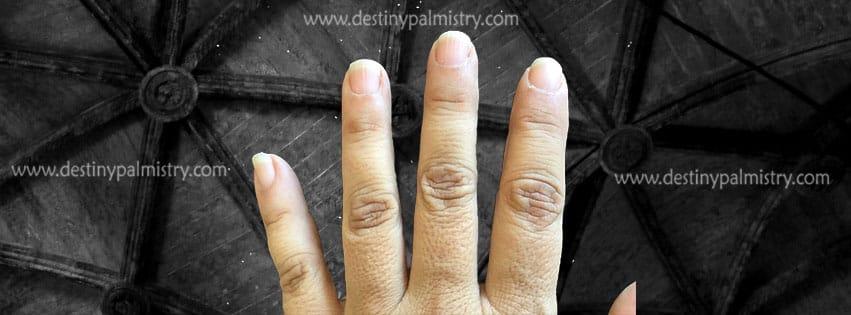 fingernail shape